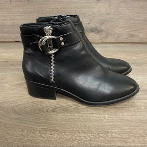 Steve Madden   Distinct Black Leather Booties 7.5